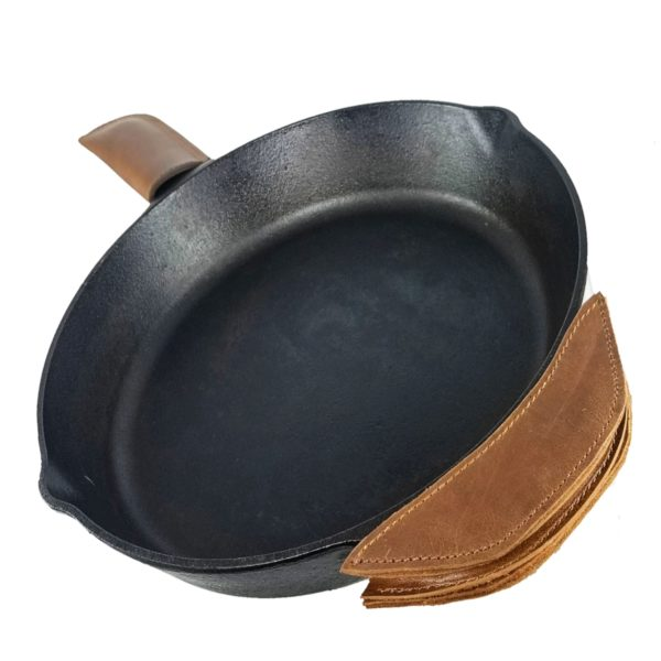 850026608328 IRON SKILLET PAN HANDLE COVER